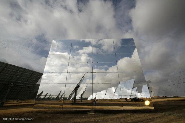 فراوری برق با انرژی خورشیدی را باید جایگزین آب کنیم
