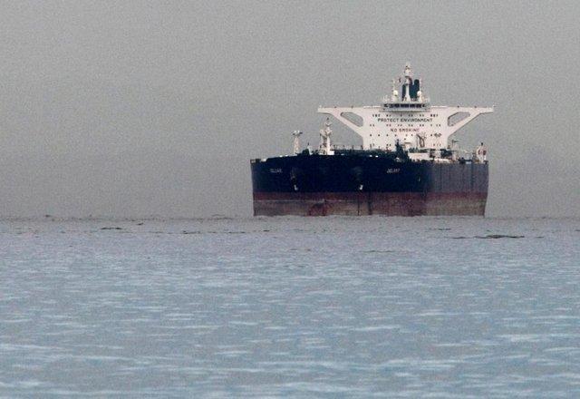 هند از قطع واردات نفت ایران سرباز می زند