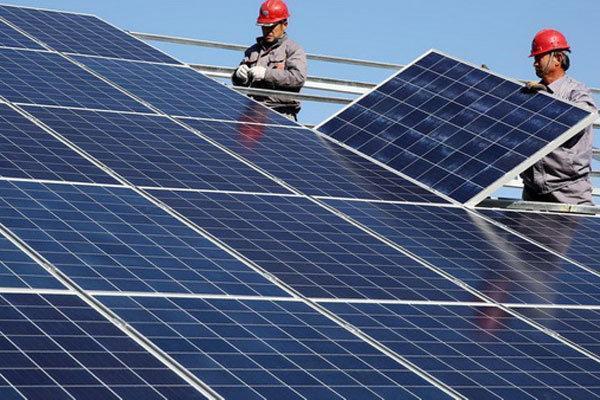 بزرگ ترین نیروگاه برق خورشیدی قم افتتاح شد