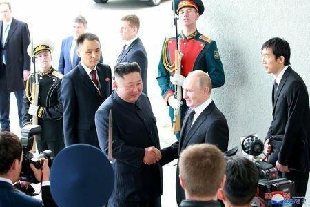 وزیر خارجه کره جنوبی: نشست رهبران کره شمالی و روسیه به روند صلح یاری کرد
