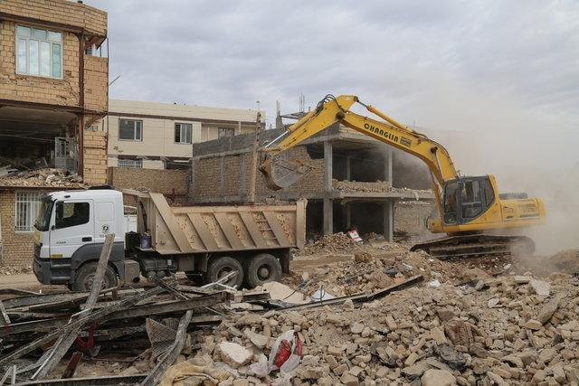 معضل نخاله های ساختمانی هنوز در مناطق زلزله زده کرمانشاه پابرجا است