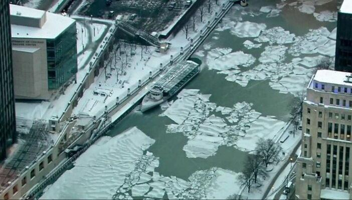 سرمای کشنده و اعلام وضعیت فوق العاده در آمریکا و کانادا