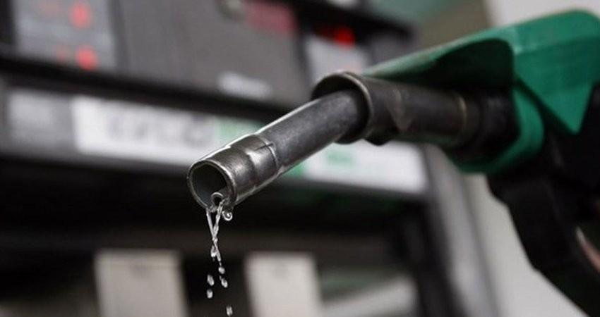 تاثیر اینترنت و بنزین بر سفر