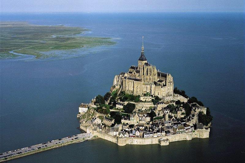 جزیره زیبا و عجیب مون سن میشل فرانسه