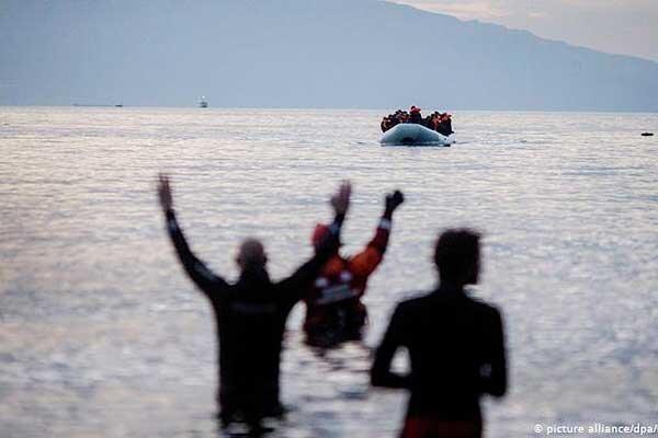 یونان کلافه از مهاجران؛ روی دریا حصار می کشد