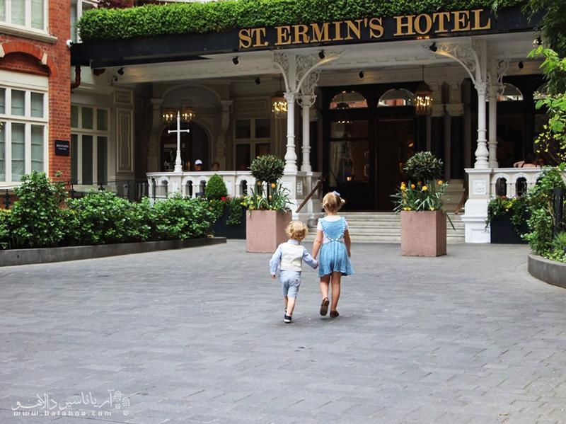 نحوه محاسبه هزینه بچه ها در هتل چطور است؟