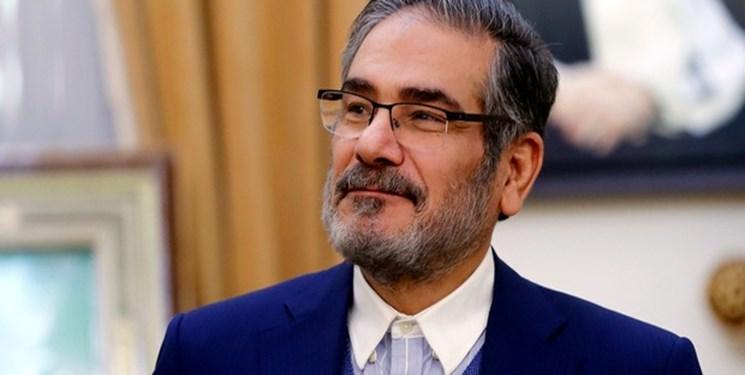 شمخانی: جلوگیری از همکاری راهبردی با شرق و تداوم وابستگی اقتصاد ملی به نفت، مبنای قبض و بسط سیاسی غرب نسبت به ایران