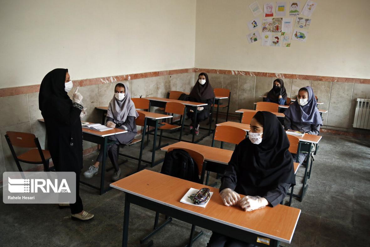 خبرنگاران دانش آموزان خراسان جنوبی 2 روز در هفته به مدرسه می فرایند