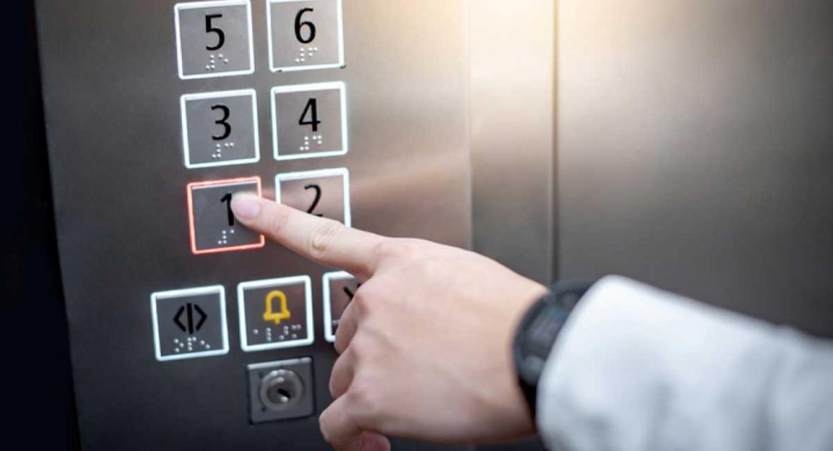 نصب آسانسور از تهیه نقشه و جانمایی تا دورچینی درب آن