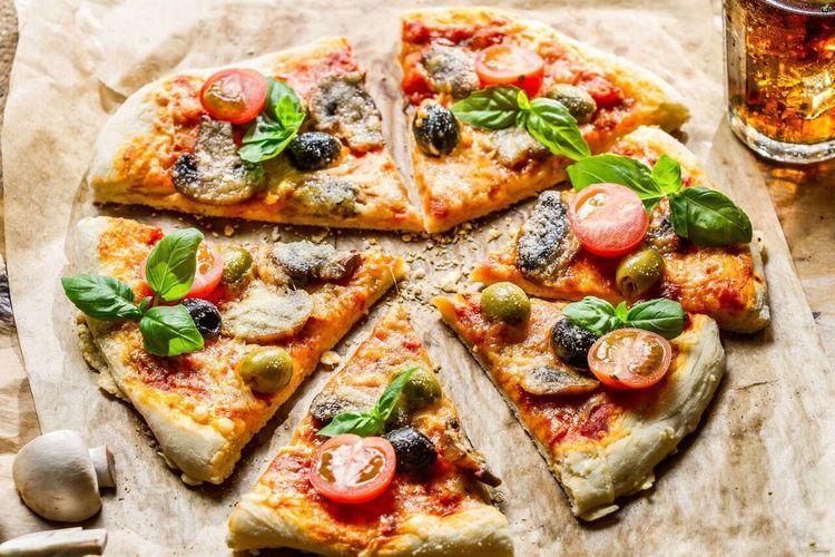 طرز تهیه پیتزا قارچ و گوشت خانگی سالم و خوشمزه