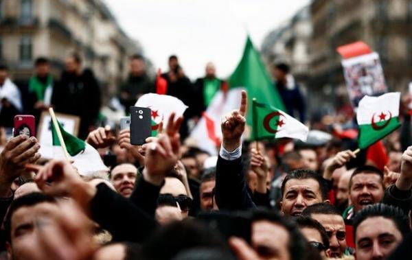 تداوم تظاهرات دانشجویی در الجزایر همزمان با شروع ماه رمضان