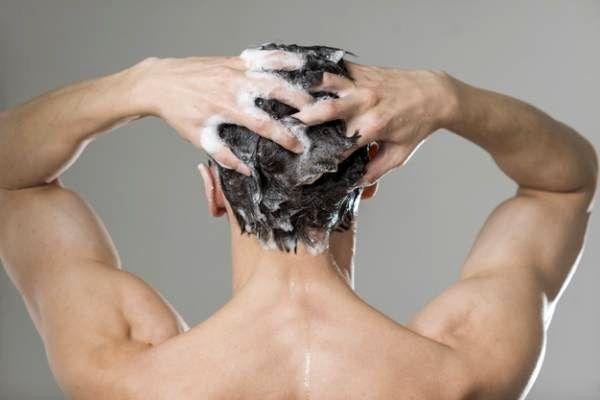 اشتباهی که همه در شستن موها داریم